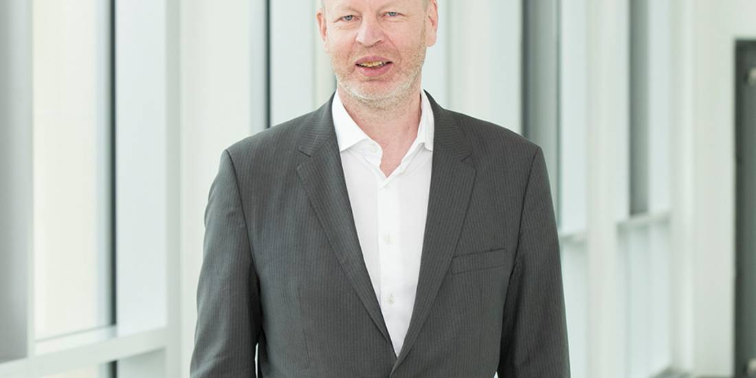prof. dr. dirk sackmann cut